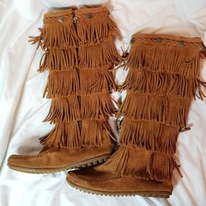 5 layer fringe moccasin boots